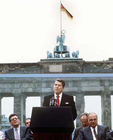 ronald regan and the cold war