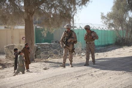 Afghanistan-troops-kids