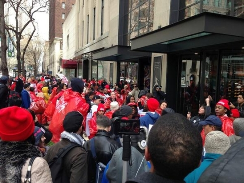 Workers from Chicago fast food and retail outlets strike for improved wages, benefits and work conditions, as well as the right to unionize.