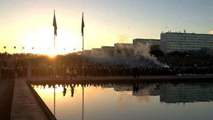 Demonstrators in Brasilia, the capital city, Thursday evening (Photo courtesty of Mariana de Assis)